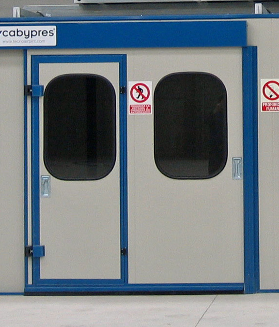 Cabinas de pintura presurizadas con aire filtrado - Coches con puertas correderas ...